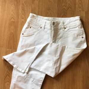 HUDSON Capri White Jeans